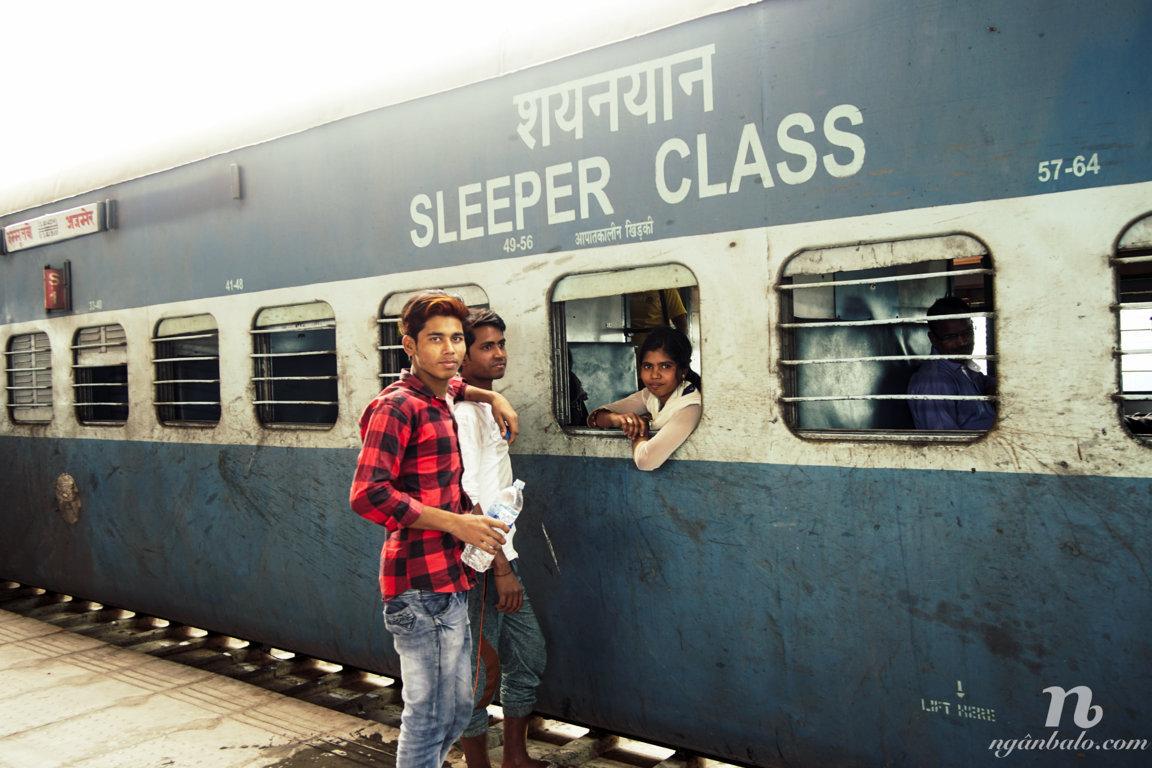 Kinh nghiệm đặt mua vé tàu hỏa online bên Ấn Độ