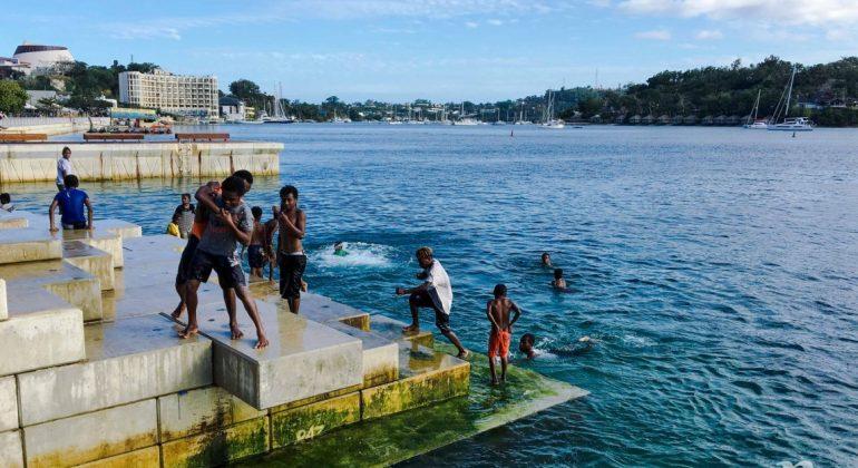 Du lịch bụi Vanuatu (4) Thủ đô Port Vila của đất nước hạnh phúc nhất thế giới